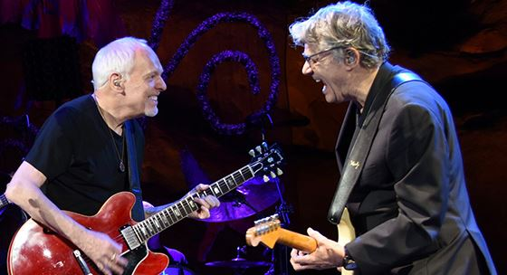 Photo of Steve Miller Band with Peter Frampton
